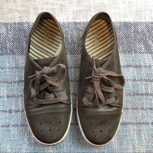 Taos Brown Lace Up Sneakers Shoes 7 Women's